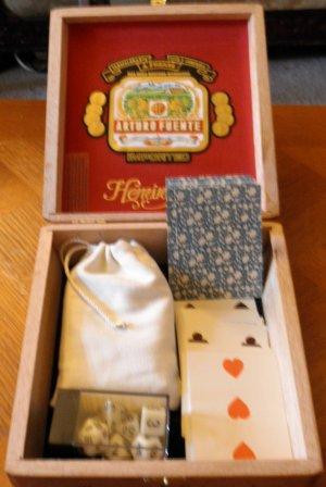 "Arturo Fuente ""Hemingway"" Cigar Gaming box 7""x6.5"" x 2.25"""