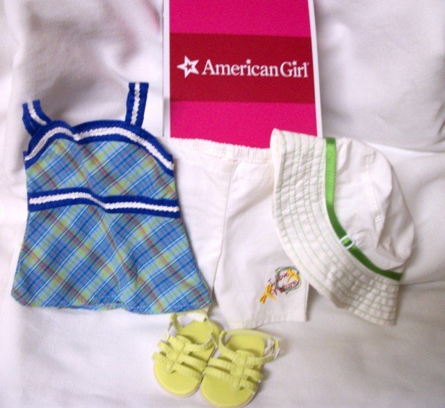 LANIE'S GARDEN OUTFIT AN AUTHENTIC AMERICAN GIRL PRODUCT