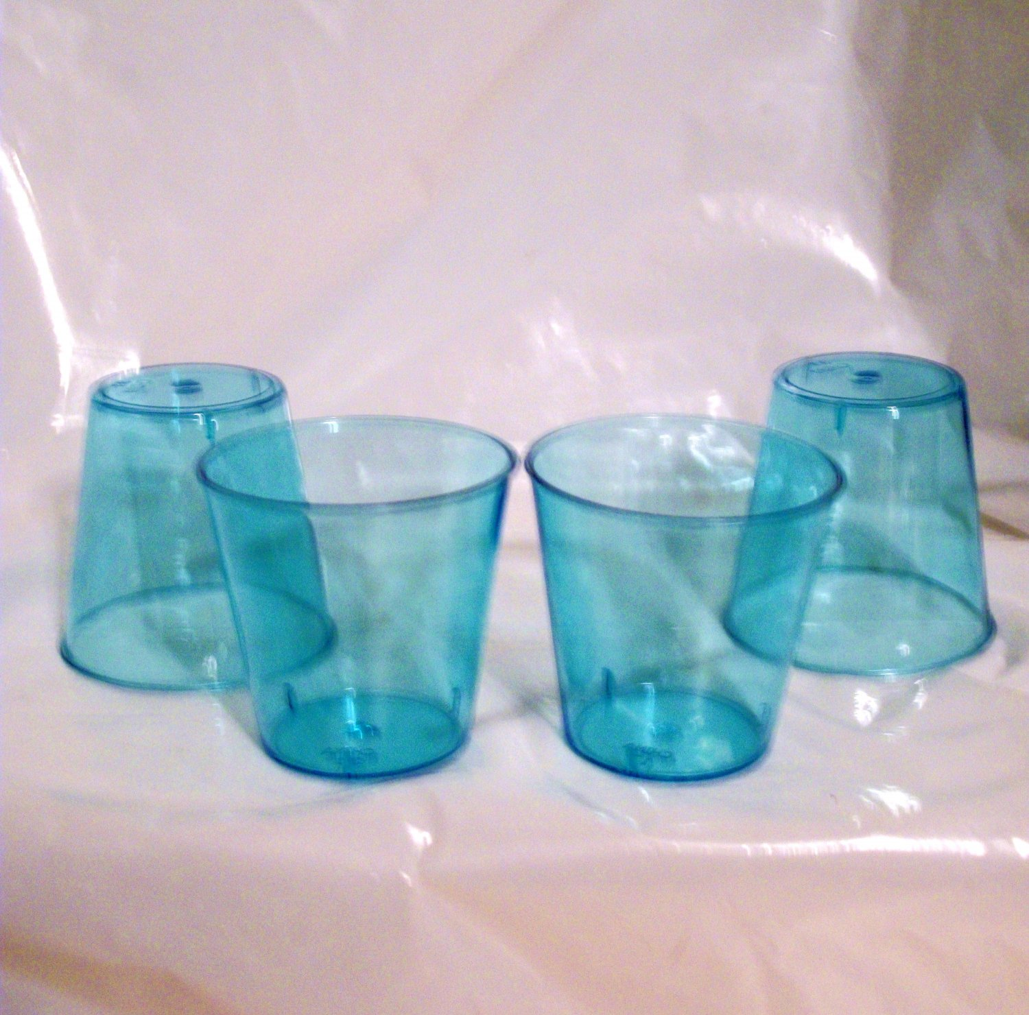 AMERICAN GIRL 18 INCH DOLL ACCESSORY-SET OF 4 GLASSES.
