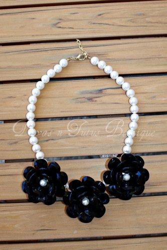 Black Flower Beaded Necklace
