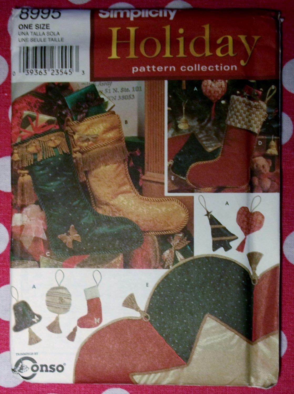 OOP Simplicity 8995 Christmas Ornaments Stockings Treeskirt Pattern, Uncut