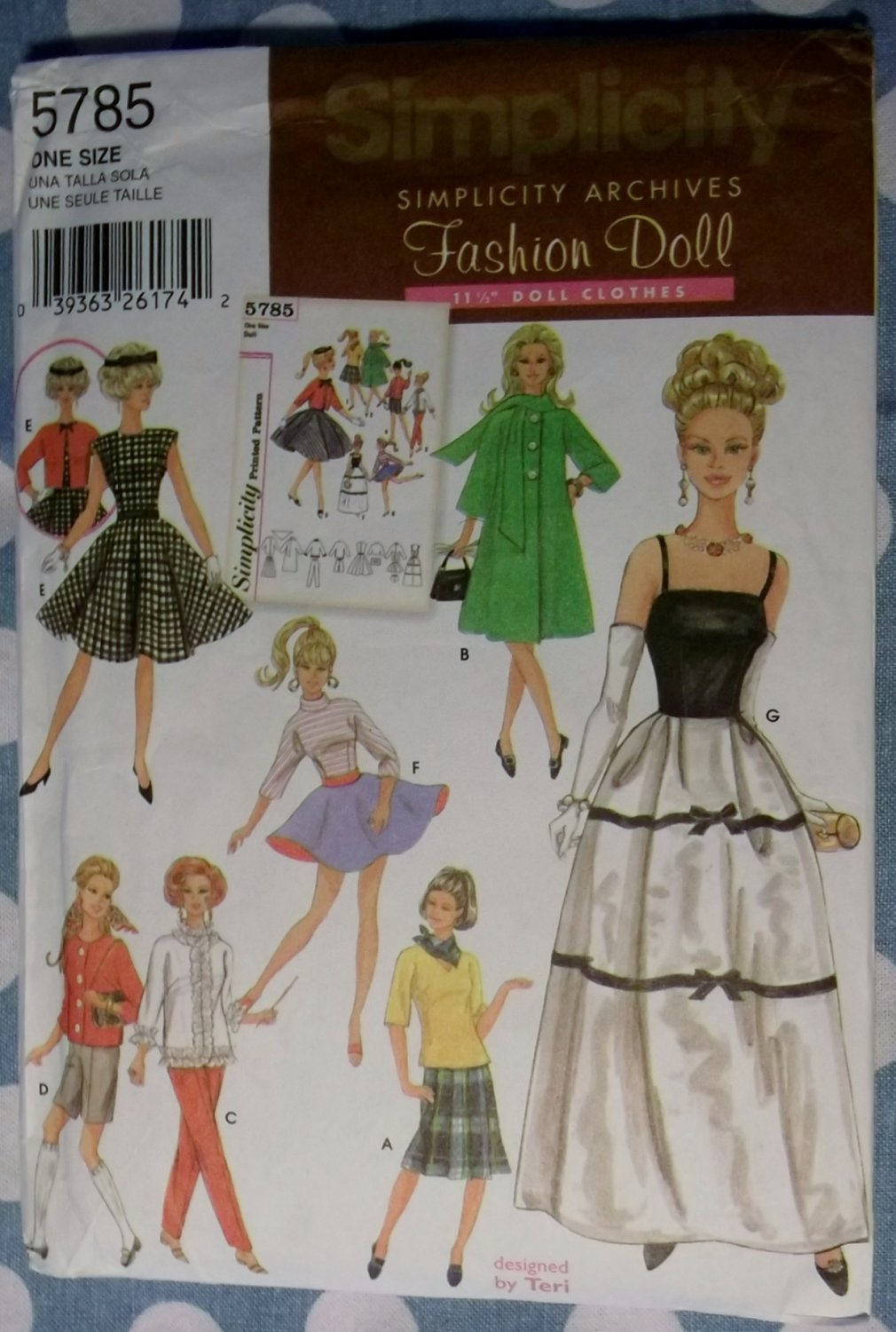 """Simplicity Archives Collection, by Teri Doll Wardrobe Simplicity 5785 Pattern, 11 1/2"""", Uncut"""