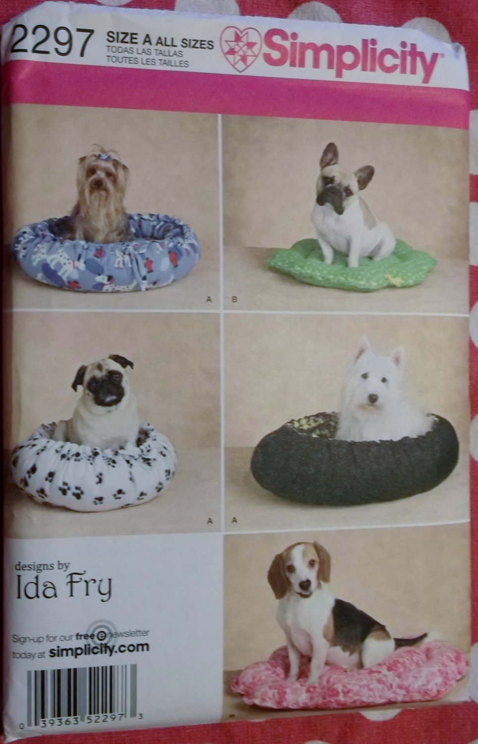 Dog Beds in 2 styles Simplicity 2297 Sewing Pattern, Uncut