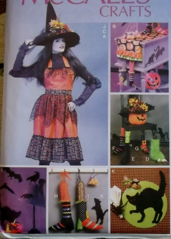 McCalls M 6623,  Halloween Apron & Decorating Set Pattern, One Size, UNCUT