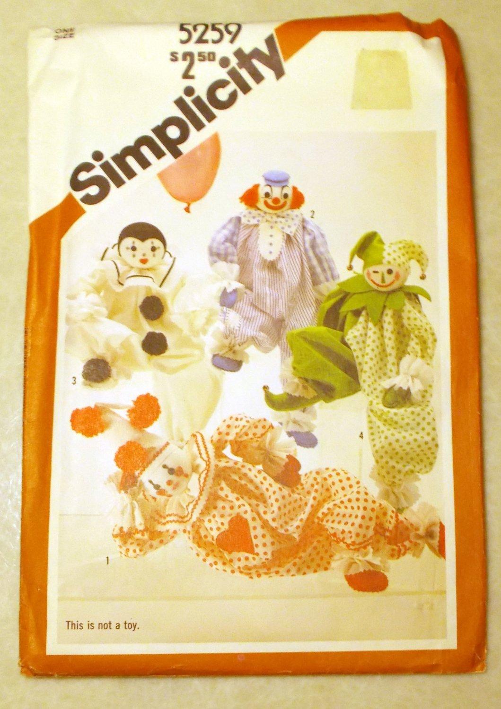 Vintage Simplicity 5259 Decorative Clown Dolls Crafts Pattern, UNCUT