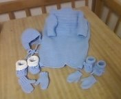 """6-PC Baby """"Cuddle-Up"""" with Sleeves & FREE GIFT!!"""