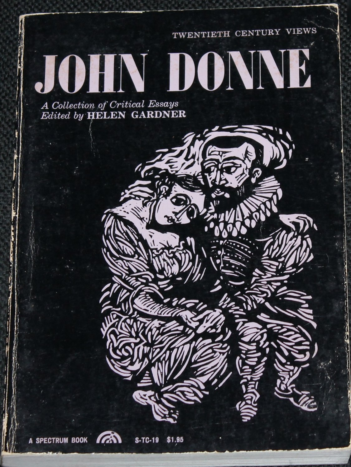 john donne critical essays John donne (1572-1631) he has taken a strand of hair from the lady out of love and he has bound it around his wrist the persona here comes close to being critical of the lady who seems to have allowed nothing more than formal kisses and a strand of hair a keepsake.