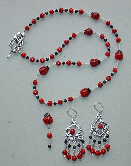 BEAUTIFUL RED/BLACK LADY BUG DROP NECKLACE AND EARRING SET