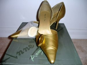 Gold Buckle Stiletto Shoe (11)