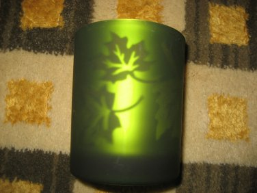 BATH & BODY WORKS DANCING TEALIGHT HOLDER CANDLE GREEN LEAVES FALL 2007