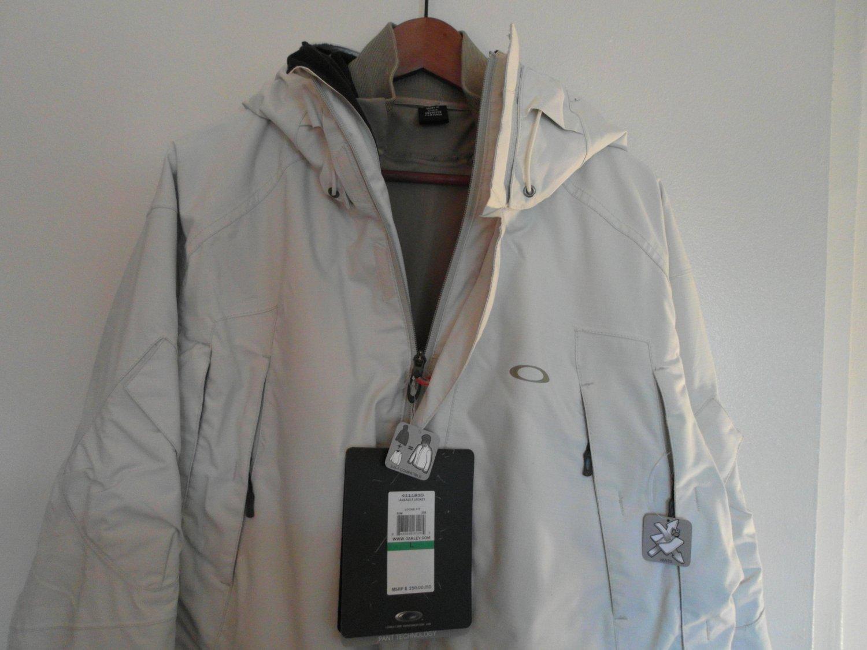 Oakley Mens Assault Jacket L White NEW 3 in 1 technical design Winter Ski Rare!