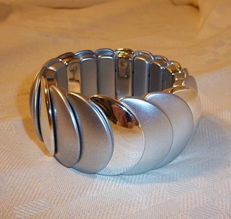 Flying Look Stretch Bracelet Silver
