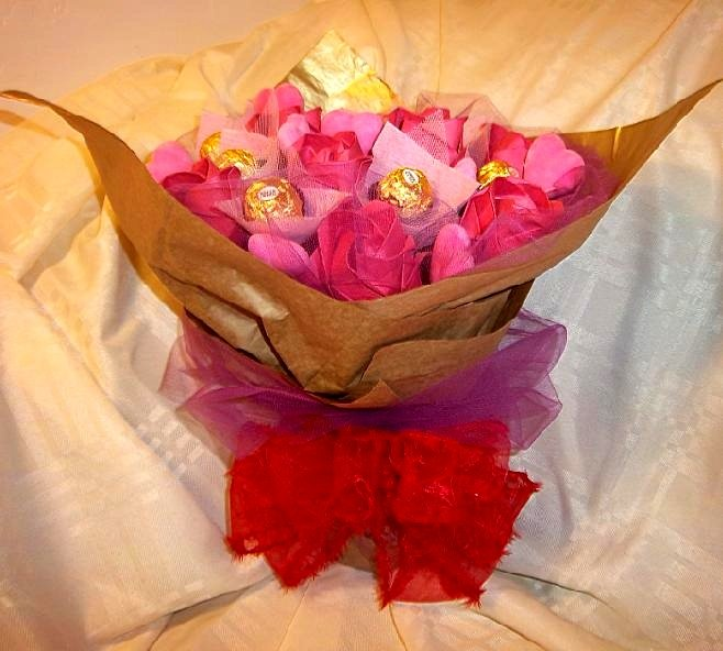 Origami Paper Rose Chocolate and Pink heart  Bouquet Special Gift