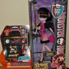 Draculaura & Girls' Draculaura Makeup Kit- 2012 Monster High Scaris City of Frights