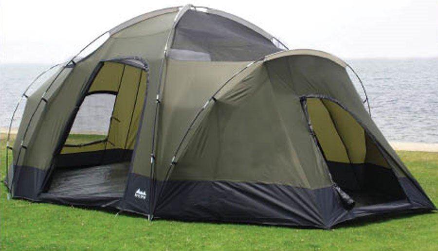 """World Famous Sports 18' x 10' x 78"""" Deluxe 3 Room 8 Person Tent"""