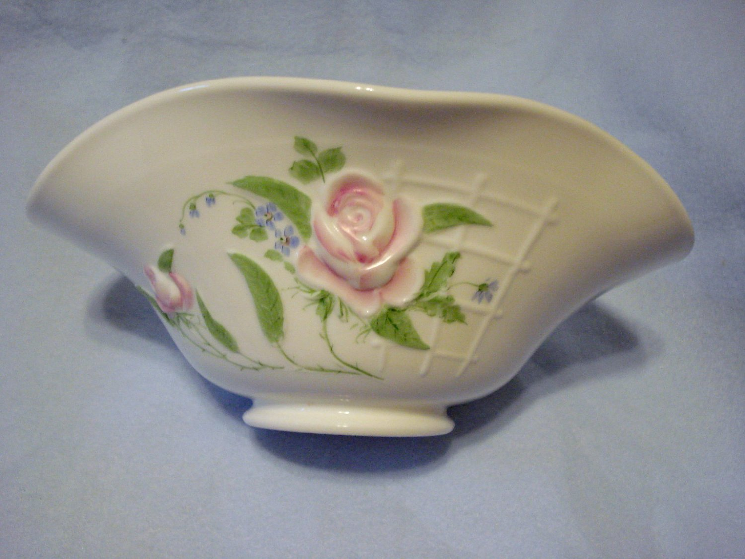"Westmoreland 10.5"" Rose and Lattice Hand Painted Bowl"