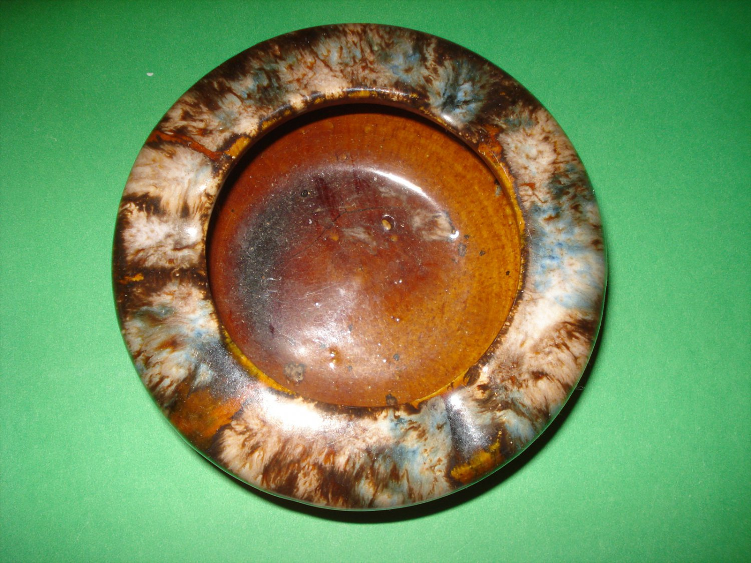 Early McCoy Onyx Or Blended Glaze Ash Tray, 5 Inches Diameter