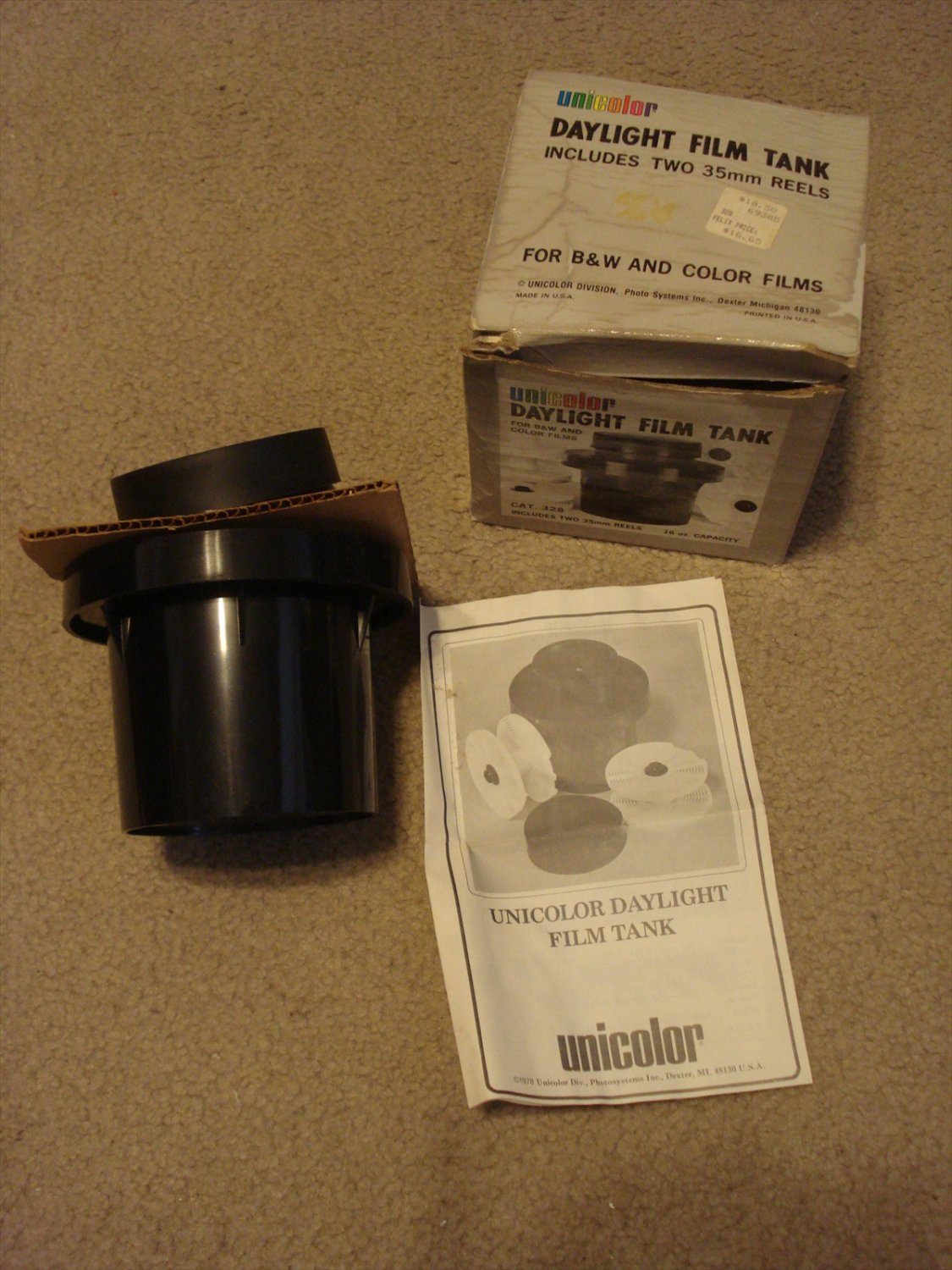 Unicolor Daylight Film Tank for B&W and Color Films, with two 35mm Reels