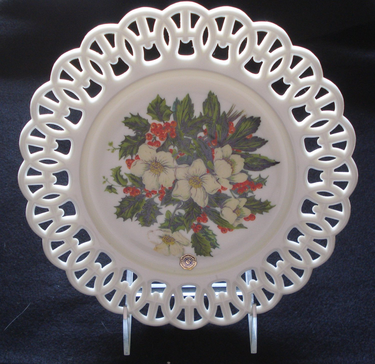 """Westmoreland Christmas Floral Plate on Milk Glass, Wicket Border, 9"""" Dia., Rare"""