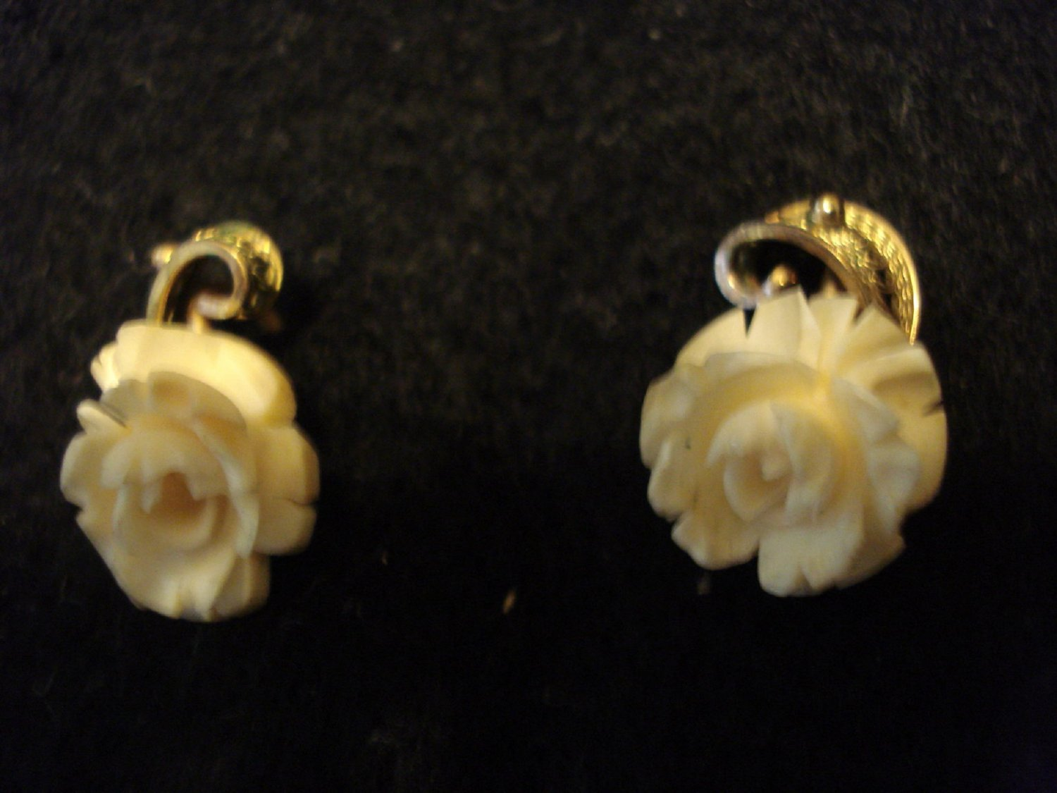 Carved Vintage Earrings Gold Filled, Marked, Screw On