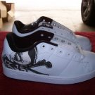 DVS Decay White / Black Leather Skateboard Shoes - Size 6 1/2