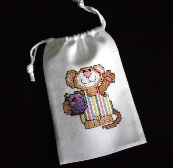 "Little mouse-cross stitch on 5""x7""white denim drawstring pouch"