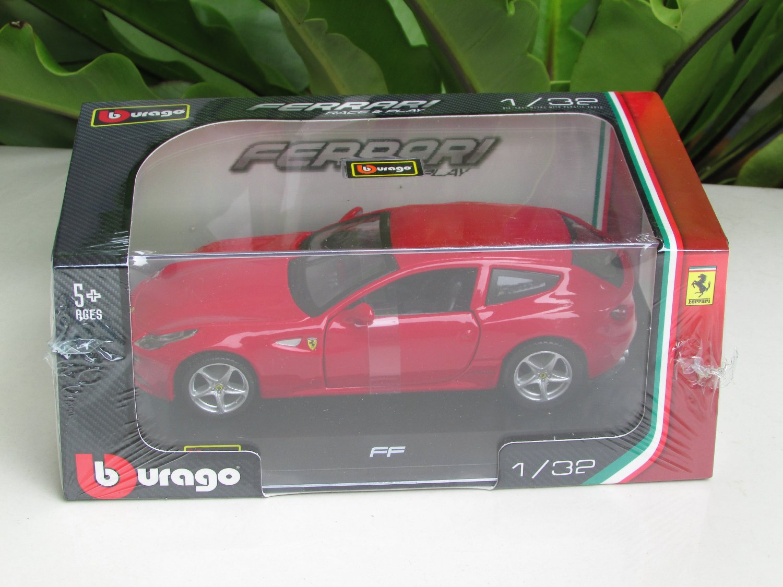 Bburago 1/32 Die cast Model Car  Ferrari FF Red