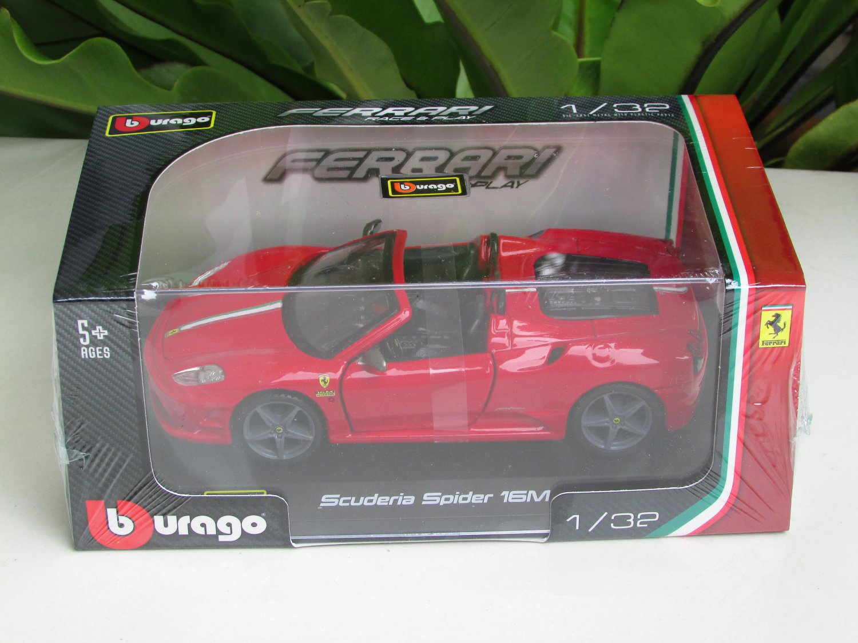 Bburago 1/32 Die cast Model Car  Ferrari Scuderia Spider 16M Red