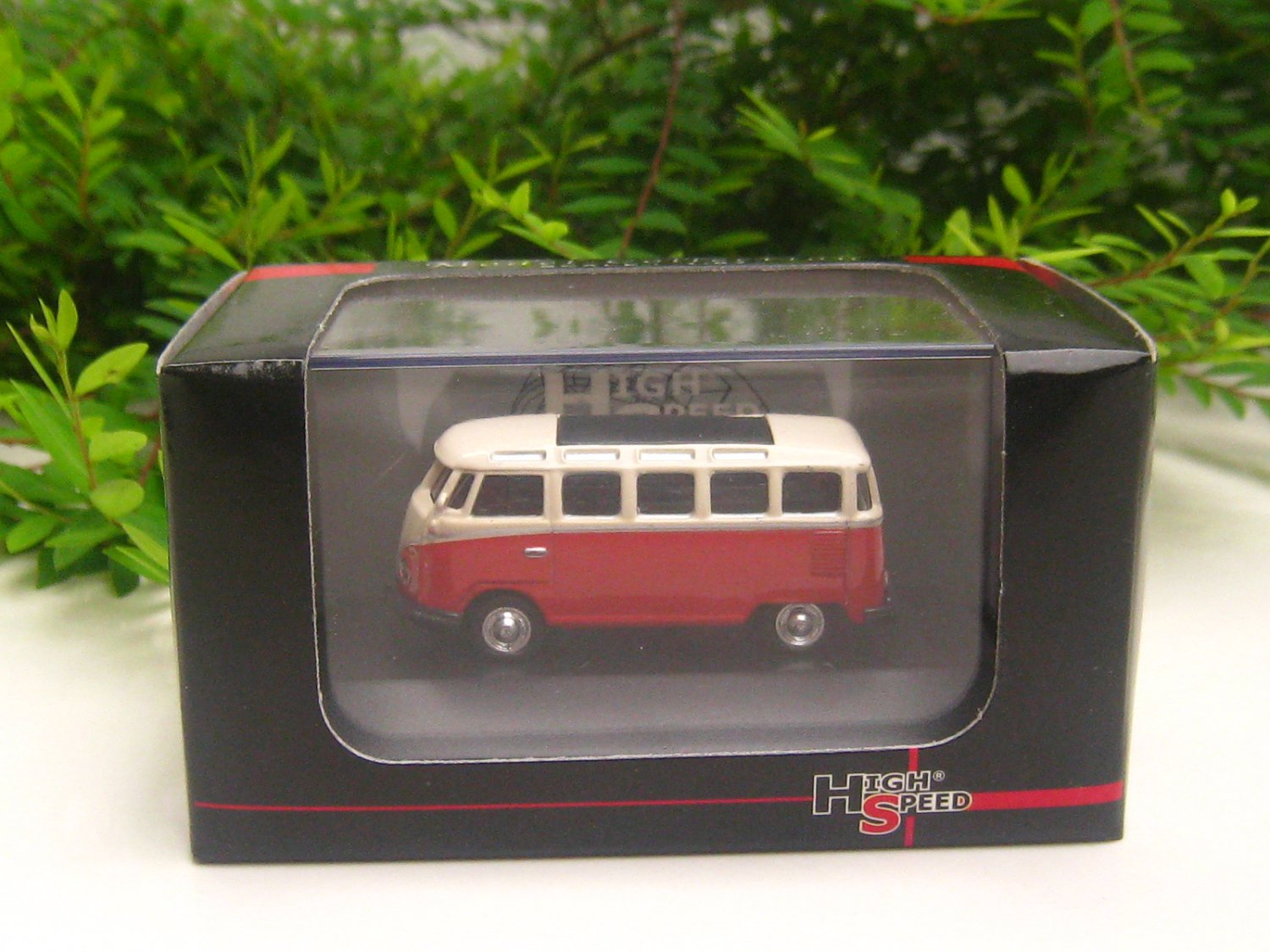 High Speed 1/87 Diecast Car Model  Classic Volkswagen VW Bus T1 Samba Bus  Red (5cm)