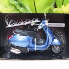 New Ray 1/12 Diecast Motorcycle Vespa Primavera Scooter 2013 (Blue)