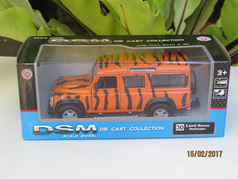 "RMZ DSM 5"" Die cast Model #30 Land Rover Defender TIGER STRIPE"