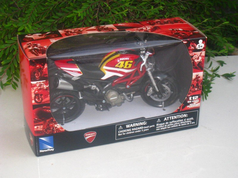 New Ray 1/12 Diecast Motorcycle Ducati Monster 796 # 46 (Red)