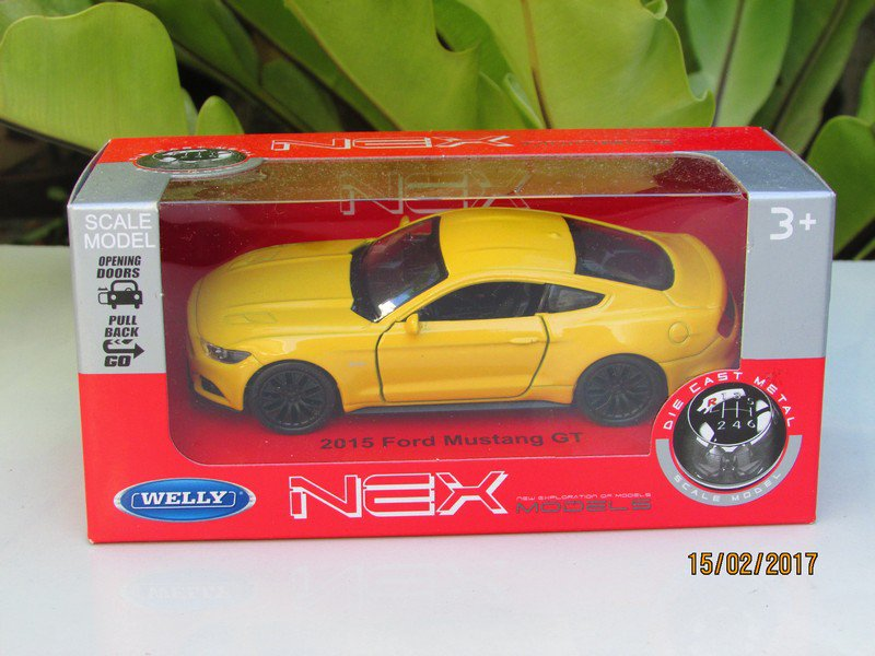 Welly NEX (11cm) 1/34-1/39 Die cast Car 2015 Ford Mustang GT (Yellow)