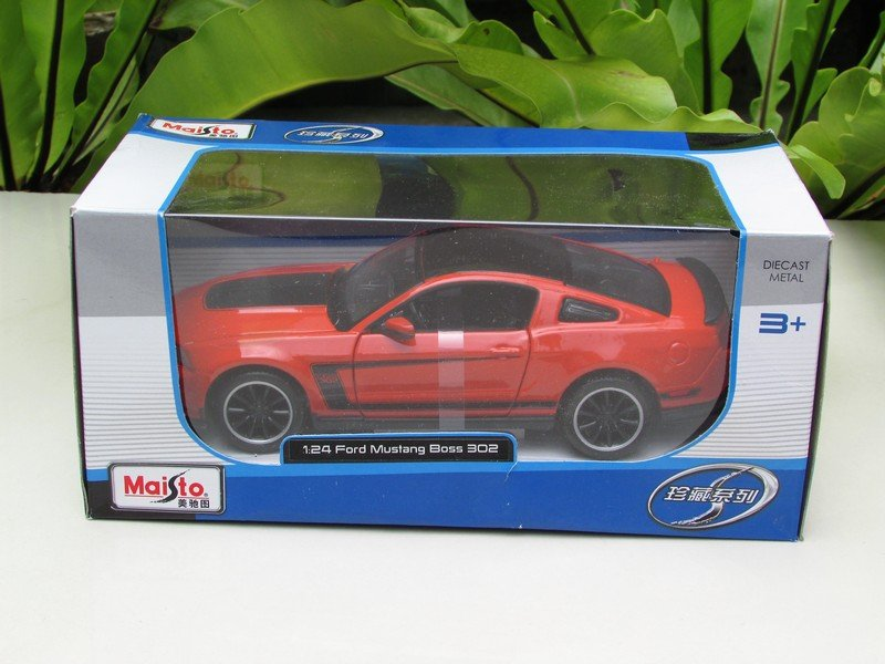 Maisto 1/24 Diecast Car Special Edition  2012 Ford Mustang Boss 302 Coupe ( Orange)
