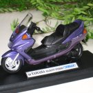 Welly 1/18 Diecast Motorcycle Yamaha Majesty YP250DX 1999 Motorcycle