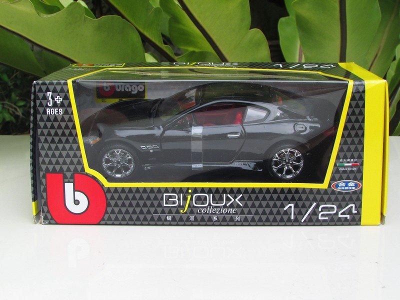 Bburago 1/24 Die cast Car Maserati Gran Turismo 2008 Black