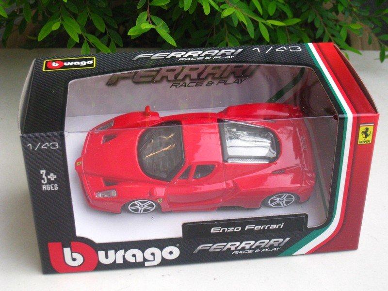 Bburago 1/43 Ferrari Diecast Car Model Enzo Ferrari (Red) 10cm
