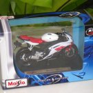 Maisto 1/18 Special Edition Diecast Motorcycle Yamaha YZF R6 (White/Red)