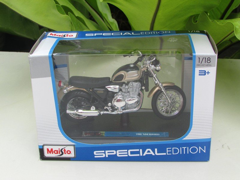 Maisto 1/18 Special Edition Diecast Motorcycle Triumph Thunderbird (Gold)