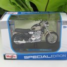 Maisto 1/18 Special Edition Diecast Motorcycle Triumph Thunderbird (Gold)