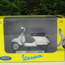Welly 1/18 Diecast Motorcycle  2016 Vespa PX125 White Scooter