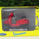 Welly 1/18 Diecast Motorcycle  2017 Vespa GTS 125CC Red Scooter
