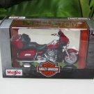 Maisto 1/18 Harley- Davidson 2013 FLHTK Electra Glide Ultra Limited Red#34 (13cm)
