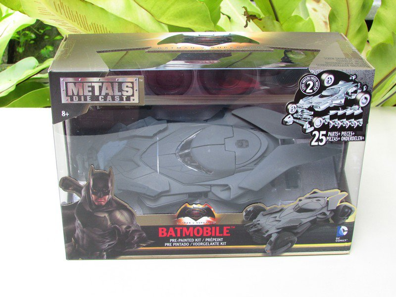 JADA 1/24 Diecast Movie Car DC Comics Batmobile & Batman Vs Superman Model Kit
