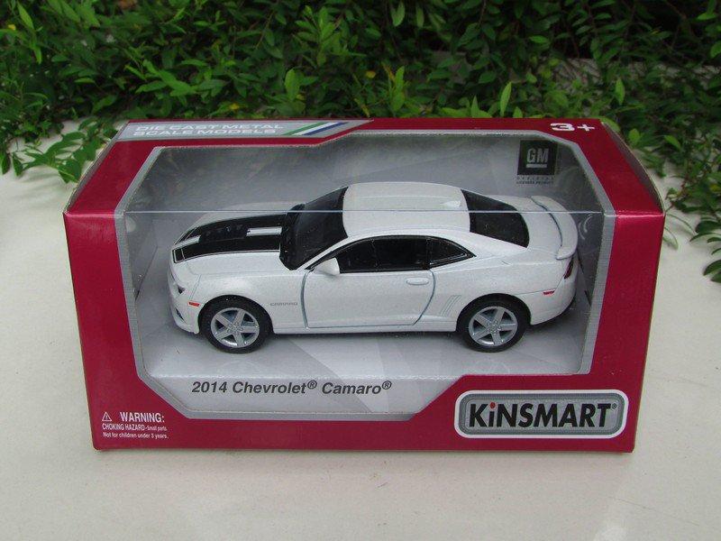 "Kinsmart (5"") Die cast  Car 2014 Chevrolet Camaro w/ printing White Sports Car (1/38)"