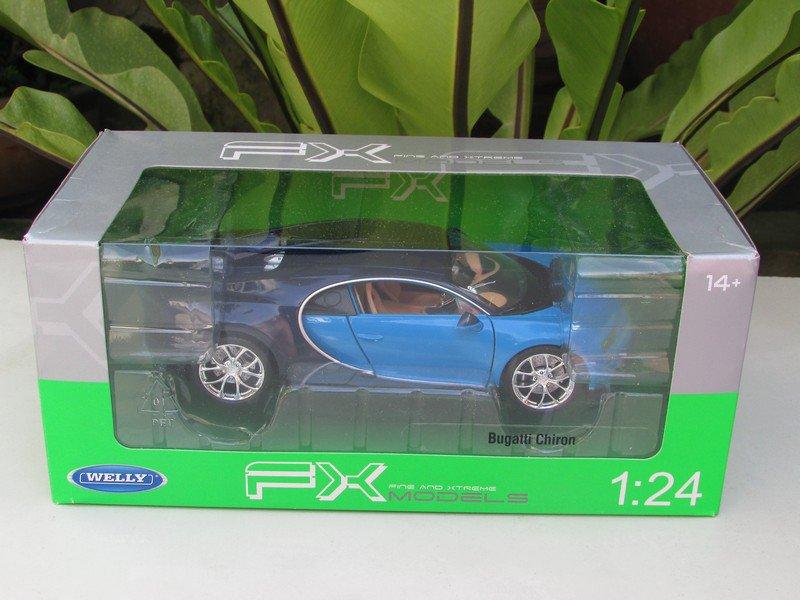 Welly 1/24 Diecast Car BUGATTI CHIRON Blue Sport Car