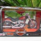 Maisto 1/12 Diecast Motorcycle Harley Davidson 2014 CVO Breakout Red
