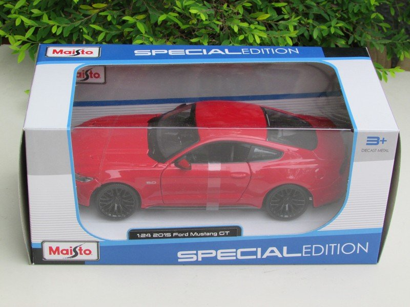 Maisto 1/24 Diecast Car Special Edition  Ford Mustang GT (2015) Red