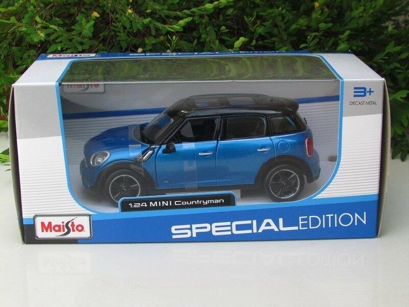 Maisto 1/24 Special Edition Diecast Car 2011 Mini Cooper Countryman With Sunroof Blue