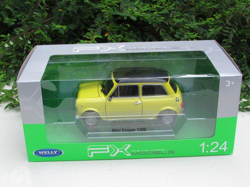 Welly 1/24 Diecast Car Model Mini Cooper 1300 YELLOW